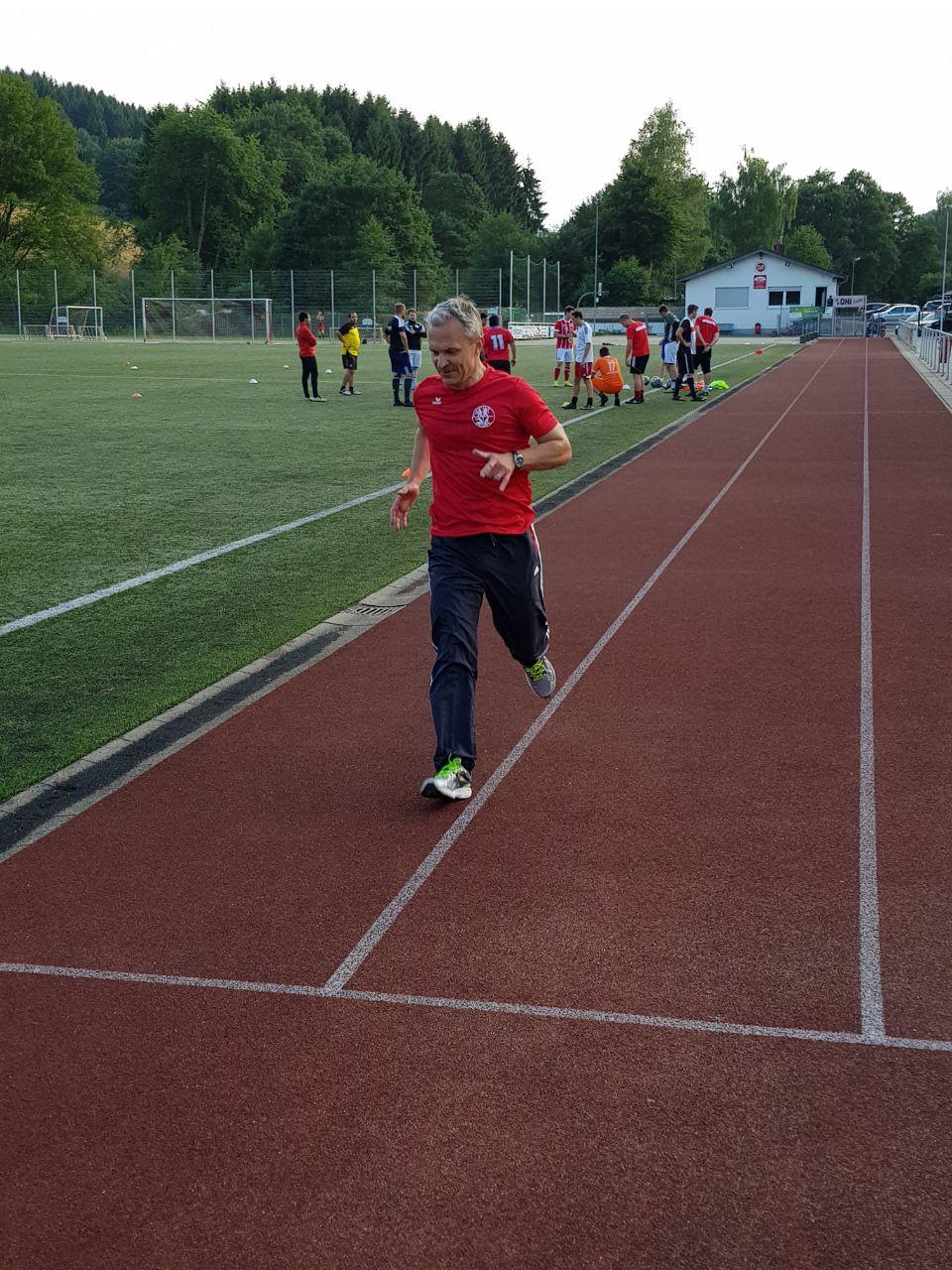 Bürgermeister Dr. Georg Ludwig legte das Deutsche Sportabzeichen in Gold ab
